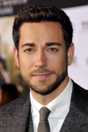 Image of Zachary Levi